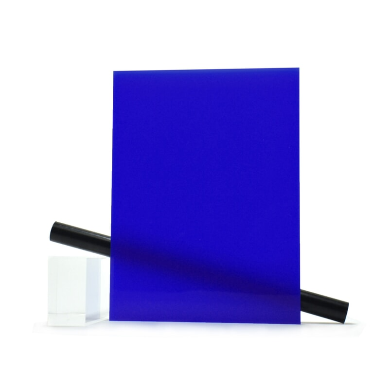 Plaque Plexiglass sur mesure (PMMA Coulé) Bleu Brillant ep 3 mm ref Altuglas 100-23003